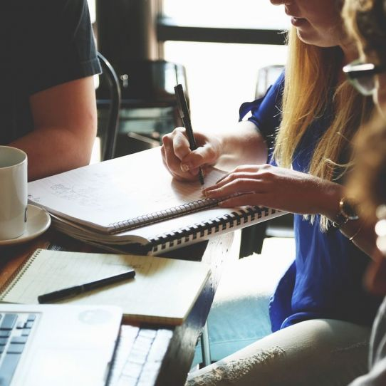 Taking minutes and how to run effective meetings